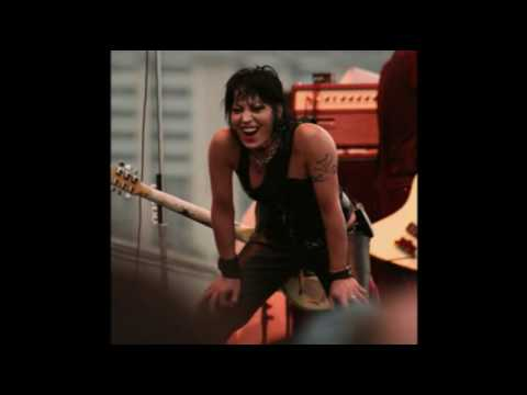 Joan Jett - Treading Water
