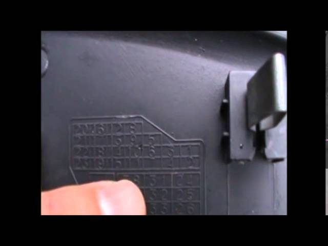 VW Passat fuse box - YouTube