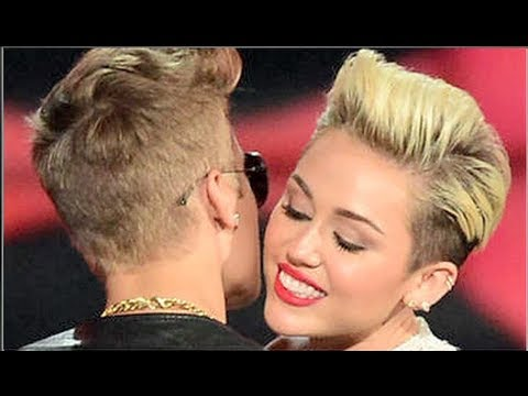 Justin Bieber & Miley Cyrus Hook Up At Club?!