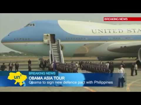 US President Barack Obama in Manila: new defense pact with Philippines will boost US troop presence