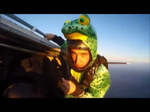 Tracking Jumps & Flying Frogs - Skydive 2017