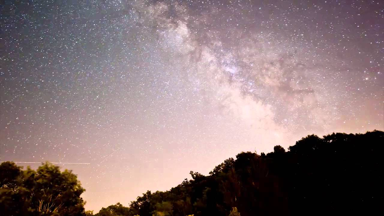 Astrophotography Time-Lapse of Milky Way & Perseids Meteors at ... Newmoon