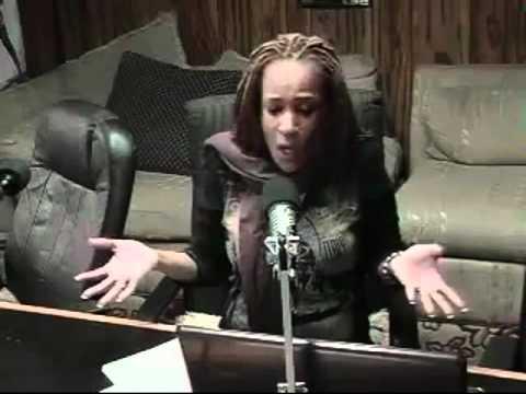 JAMAICAN INTERNET RADIO SHOW HOST CUSSING A CALLER LIVE!