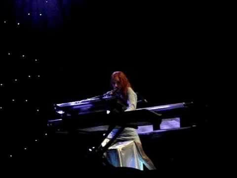 Tori Amos - Cool On Your Island - Boston - Sinful Attraction Tour - 08/17/2009