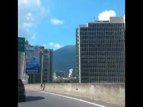Caracas Cruising