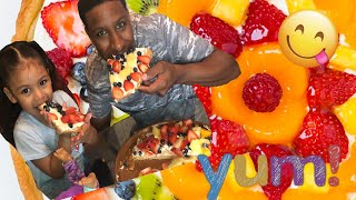 How to make a fruit pizza ( daughter and dad ) #howto #pizza #youtubekids #funtime