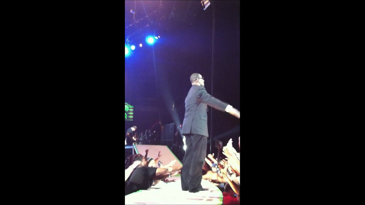 R Kelly Covers Frank Sinatras My WayLove Letter Tour