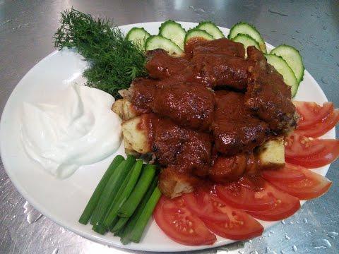 Искандер-Кебаб очень популярное блюдо в Стамбуле