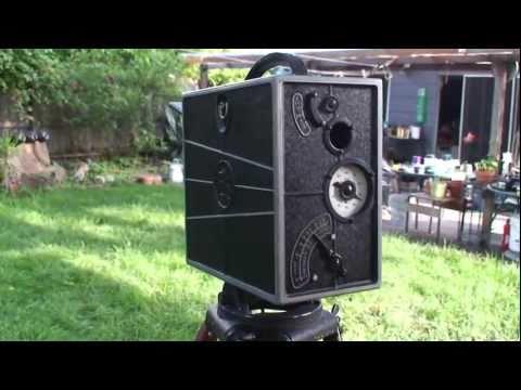 Ciné-Kodak Model A Type II late 1924 or early 1925 hand-crank 16mm movie film camera
