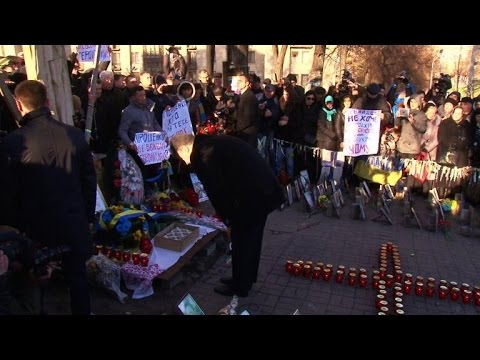 Ukraine's Poroshenko heckled by relatives of the Maidan dead