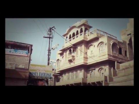 Agustin El Bola India Jaisalmer. Música AC Bola de Rojo y Rosa