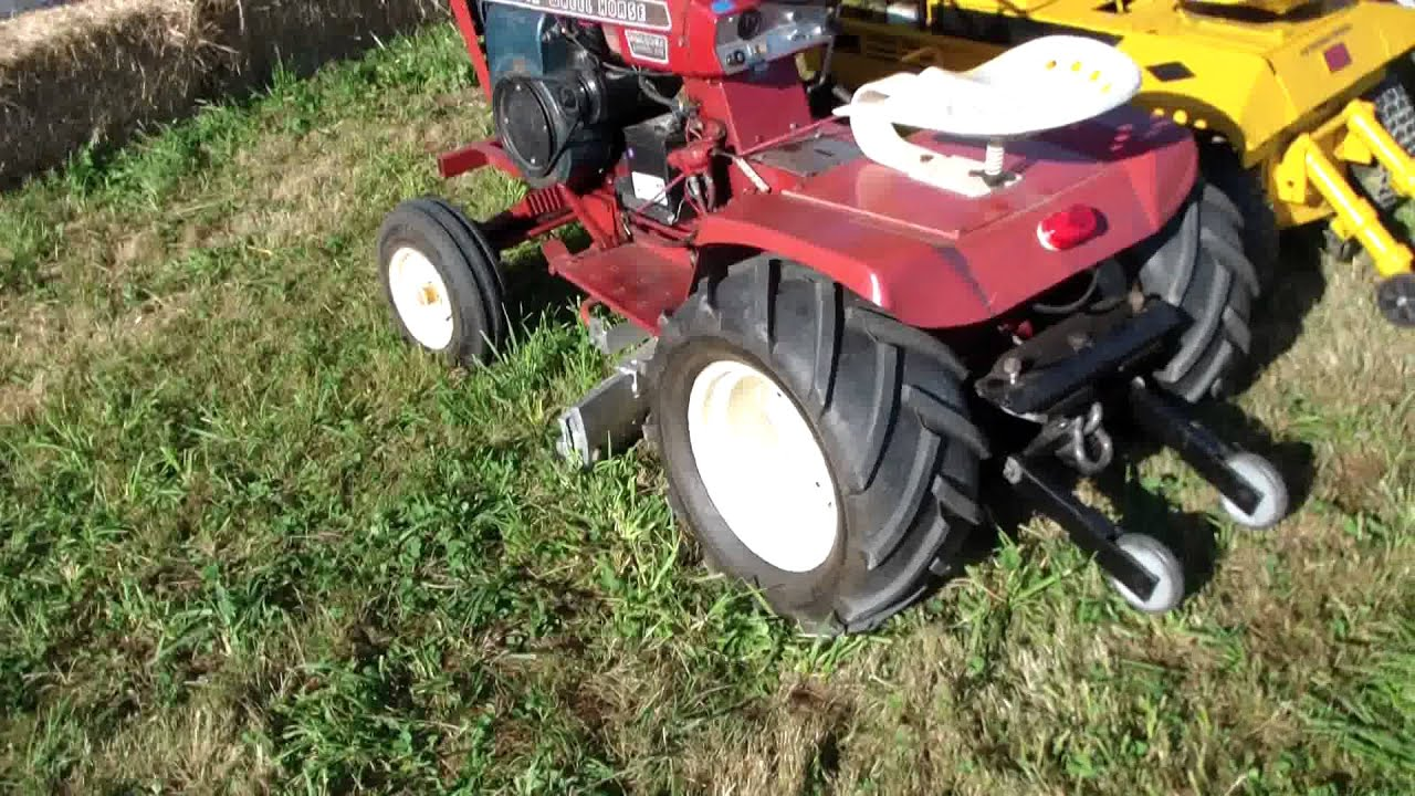 Vintage Lawn And Garden Tractors : Pulling lawn garden tractors at the sky valley stock and