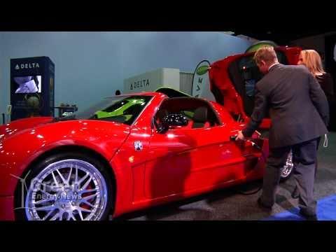 Inizio RTX - World's Fastest Electric Car Vs. Tesla Roadster