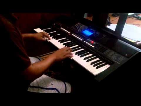 Noel on the YAMAHA PSR-e433   Cha-Cha Medley 2013
