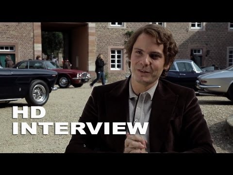 "Rush: Daniel Brühl ""Niki Lauda"" On Set Interview"