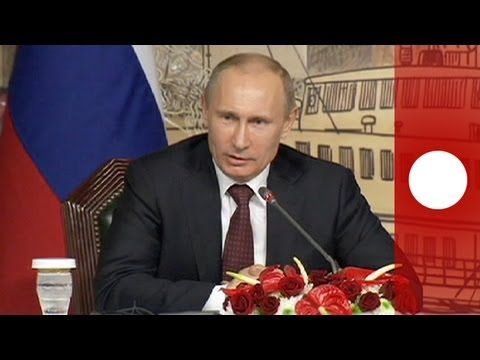 Putin signs law banning homosexual