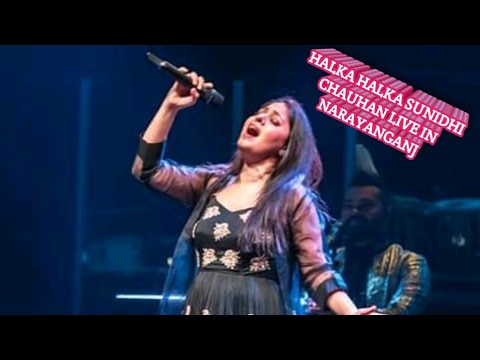 Download Lagu  Halka Halka _ Sunidhi Chauhan _ Live Concert in Narayanganj Club Mp3 Free