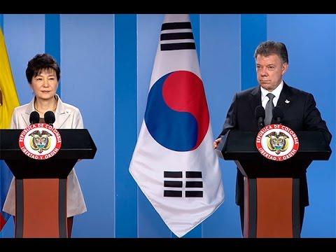 Presidente Santos durante la visita oficial de la Presidenta de Corea 17 de abril de 2015