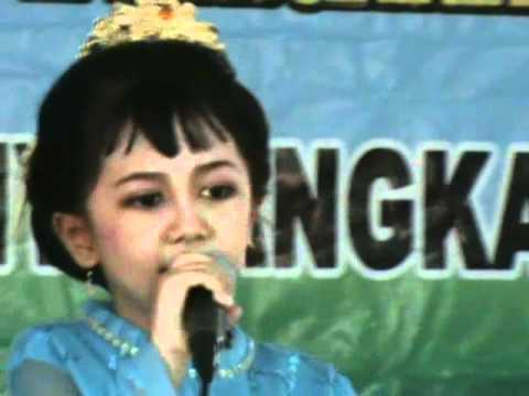Terima Kasih Guruku By Rara.wmv video