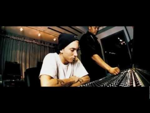 **NEW 2011**  EMINEM - Listen To Your Heart Feat. T.I.