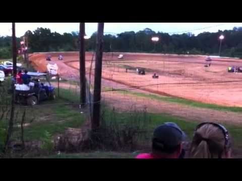 Sprint car heat race in Chatham la