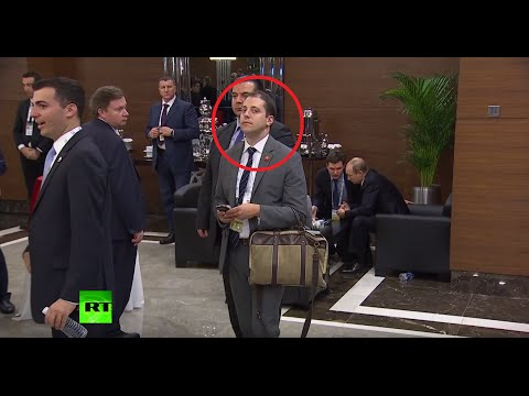 Full video of a man 'eavesdropping' on Putin & Obama at G20