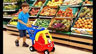 Supermarket Song  Kids  doing Grocery Shopping with Cozy Shopping Cart Learn Fruits and Veg