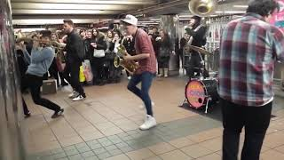 Download lagu the coolest saxophone subway band ever