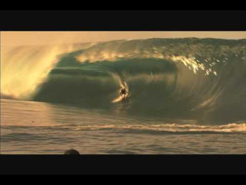 Big Wave Surfing in Teahupoo 11/1/07 - Part 2 of 2