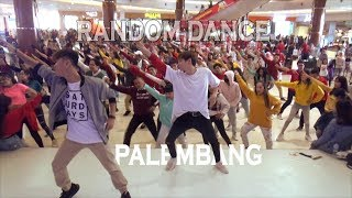 K-POP RANDOM DANCE DADAKAN DI OPI MALL, INDONESIA