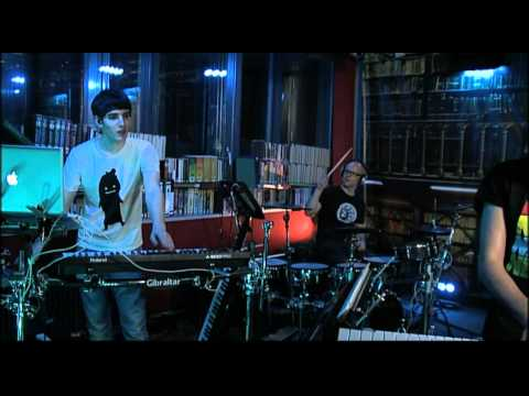 Netsky - Give and Take + Love Has Gone (live @ Studio Brussel)