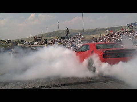 2015 Dodge Challenger SRT | Bandimere Burnout