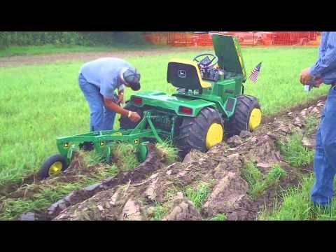 Custom John Deere Garden Tractor at Little G 2010