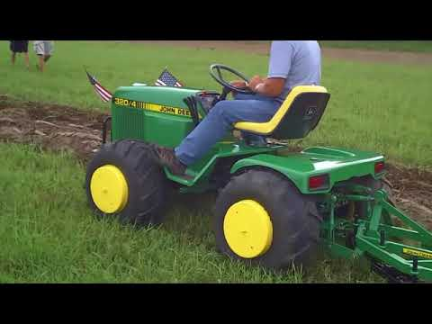 Custom John Deere Garden Tractor at Little G 2010