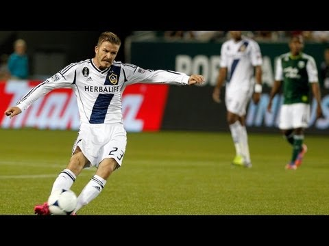 David Beckham sends one into the back of the net, curling it up and over the wall to give the LA Galaxy a 2-1 lead over the Portland Timbers in the 24th minu...