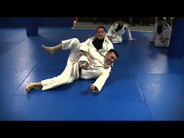 Chris Savarese Bow + Arrow Choke attack from mount position| NJ BJJ