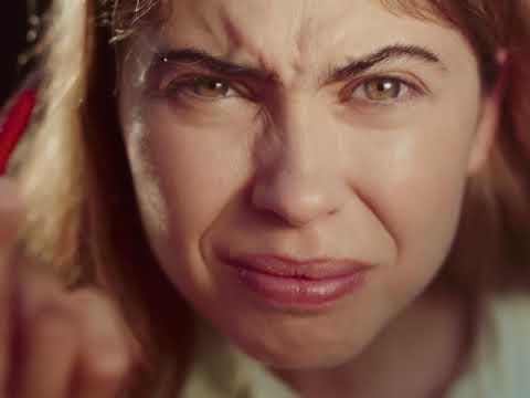 Salsa señala las presiones sociales que sufren las mujeres