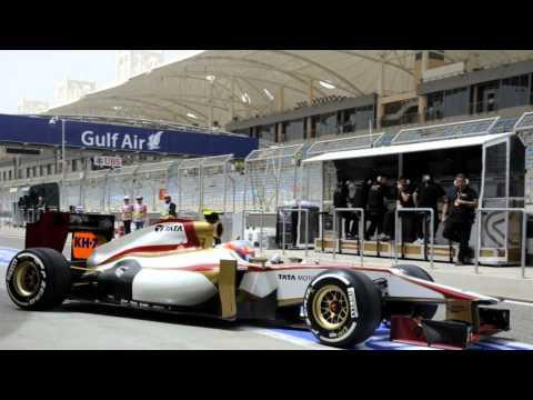 HRT F1 Team Cosworth pit crew