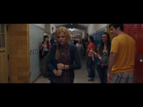 Lo sguardo di Satana - Carrie - Trailer Ufficiale HD ITA (AlwaysCinema)