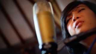 download lagu Anggia Anggun - Yang Terlupakan Cover Iwan Fals gratis