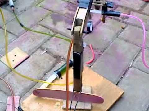 Tugas Praktek pembuatan robot hidrolik, Yang di rakit sama anak2 SMKN