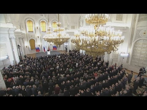 Putin's Crimea 'victory speech' - applause