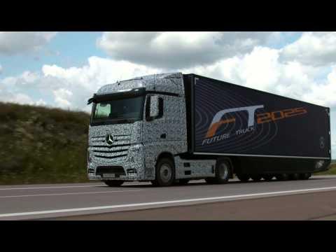 Mercedes 2025 autonomous truck - exterior footage