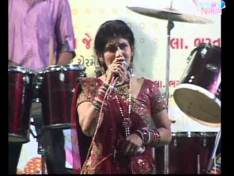 Jay adhya shakti ma jay adhya shakti aarti Jai Ambe - Bhavna...
