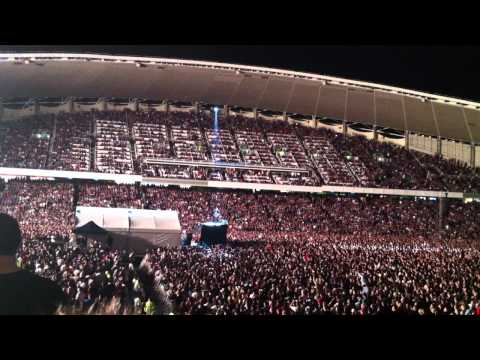 Foo Fighters Encore Intro/Wheels/Times Like These Live in Sydney 08.12.11