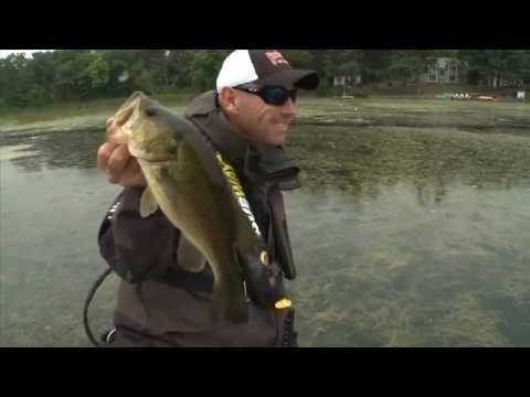 Using a Push Pole for Largemouth Bass in the Slop - Dave Mercer's Facts of Fishing THE SHOW