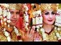 Resepsi pernikahan Arumi Bachsin dan Emil Dardak - Intens 31 Agustus 2013