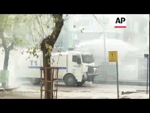 Turkey - Clashes at protest in Kurdish area | Editor's Pick | 29 Dec 15