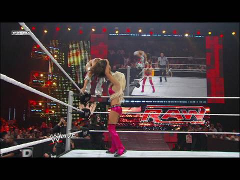 Brie Bella vs. Maryse