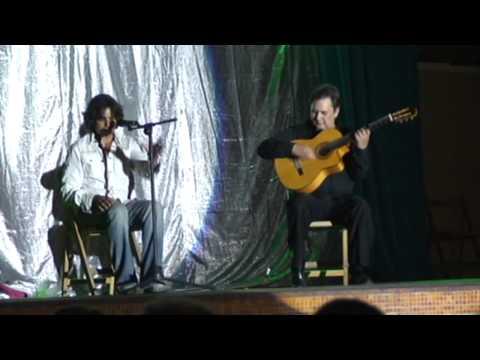 CHAITO , Presenta al guitarrista Juan Serrano,... tiritira tan tan.....